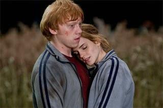 Hermione y Ron. Hermione debería haberse casado con Harry según J.K. Rowling. MÁS CINE. Making Of