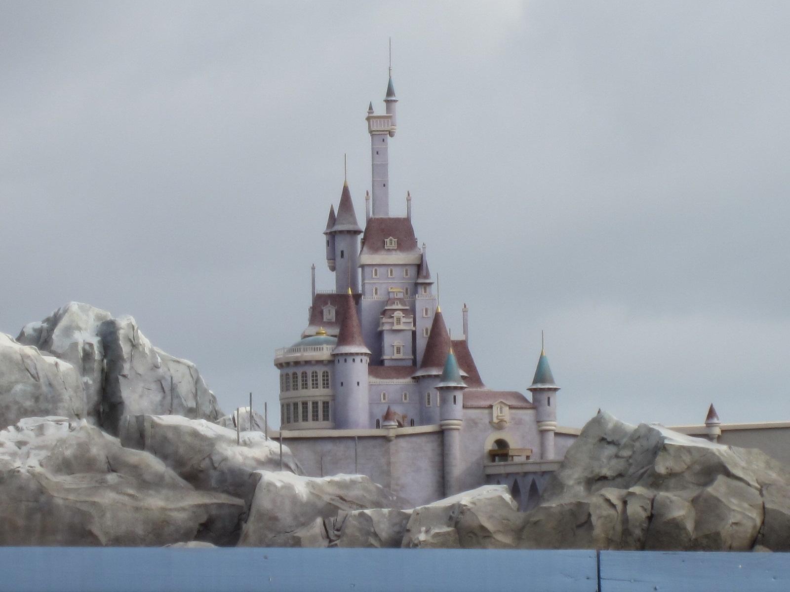 digital disney world ddw pic 242 beast castle under construction. Black Bedroom Furniture Sets. Home Design Ideas
