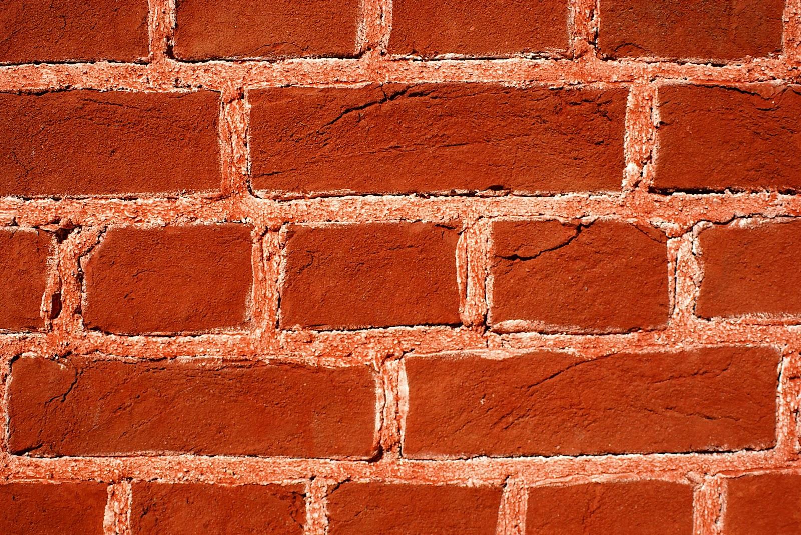 Стена из красного кирпича. Отделка штукатуркой изнутри 621