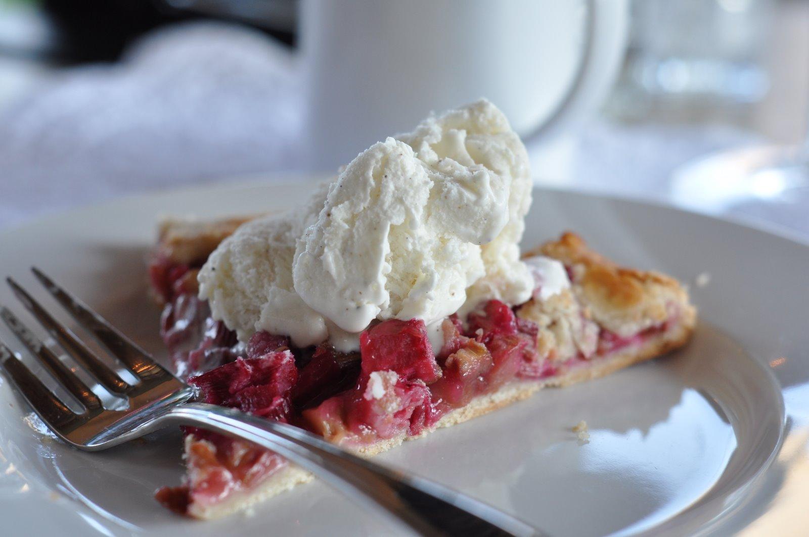 Mennonite Girls Can Cook: Rustic Rhubarb Tart
