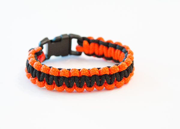 Oregon State Paracord Bracelet @craftsavvy #craftwarehouse #paracord #paracordbracelet #diy