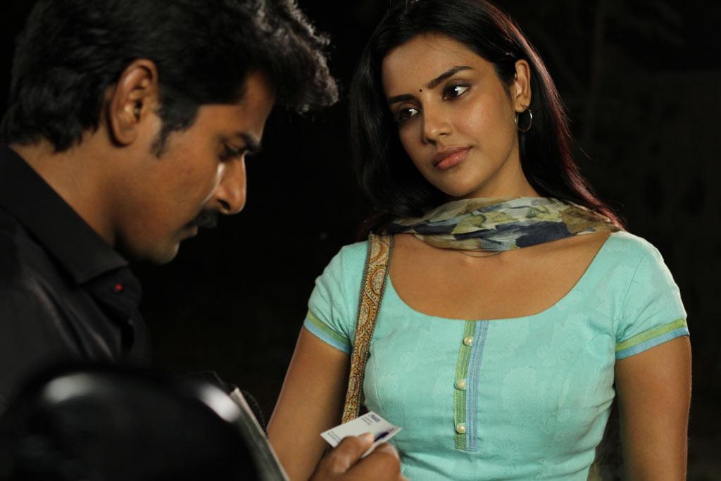 Stills: Tamil Cinema 'Ethir Neechal' ~ INDIAN CINEMA