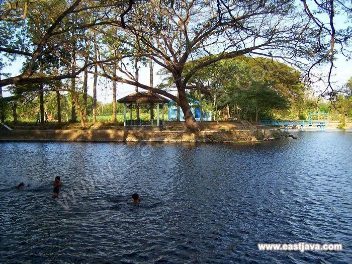 Objek Wisata Bersejarah di Pemandian Ronggojalu