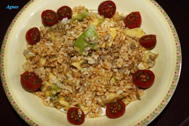 Arroz integral con harissa y verduras frescas