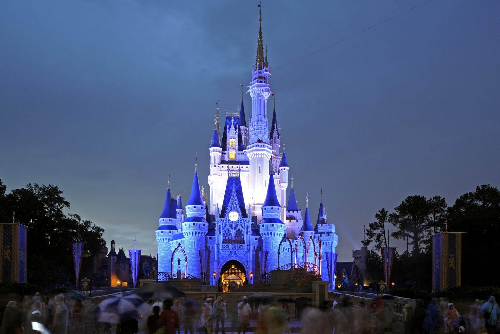 http://4.bp.blogspot.com/-cFmOQsZk5G0/TcOMpy4vmpI/AAAAAAAALEQ/Sik2JcTZGSU/s1600/Magic-Blue-Castle-740422.jpg