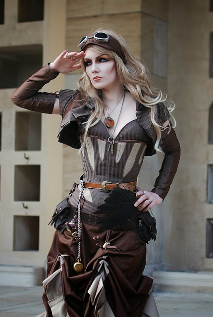 steampunk fashion (women's clothing, goggles, skirt)