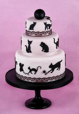 Tarta con decoración de gatos