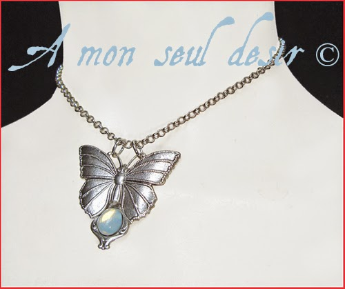 Collier elfique féerique papillon blanc opale elven fairy butterfly white opal necklace Diaphane
