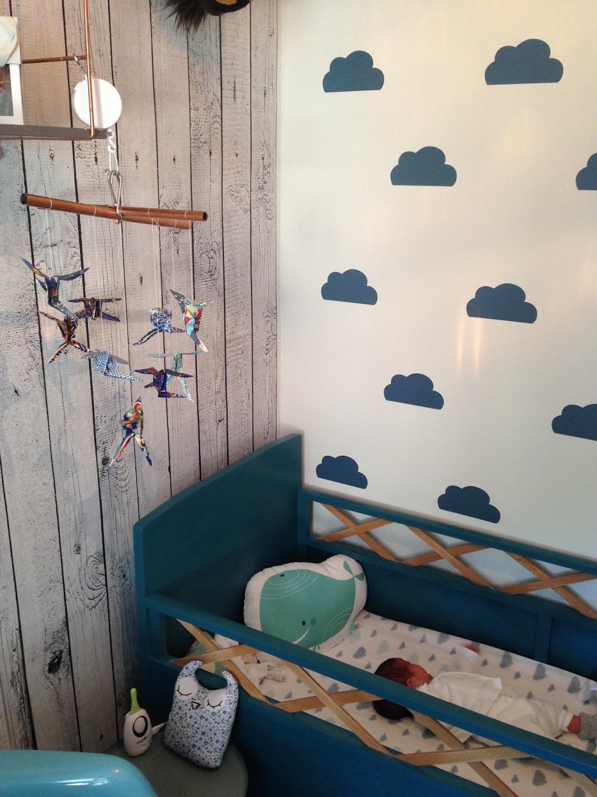 un mobile origami pour b b caract rielle. Black Bedroom Furniture Sets. Home Design Ideas