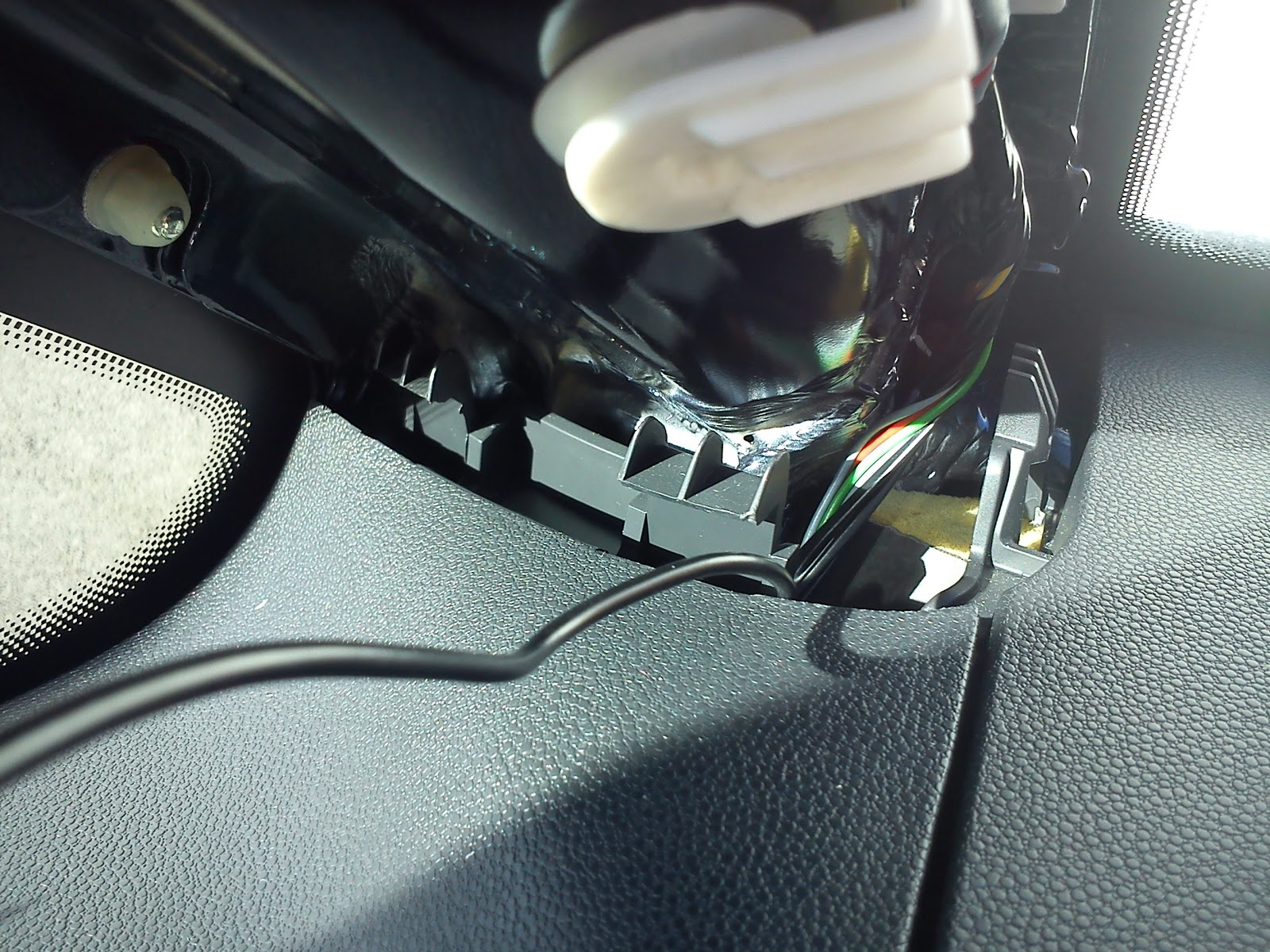 Wai\'s Life: Installing Parrot Mki9100 Bluetooth Car Kit (in Vauxhall ...