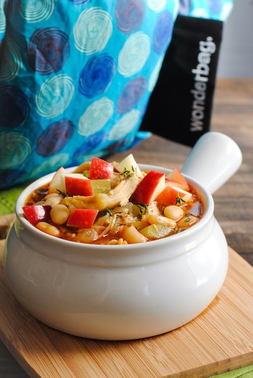 Autumn Chicken & Apple Cider Chili - a simple chili with a surprising depth of flavor from fall herbs and apple cider. Also, info about cooking with the Wonderbag.