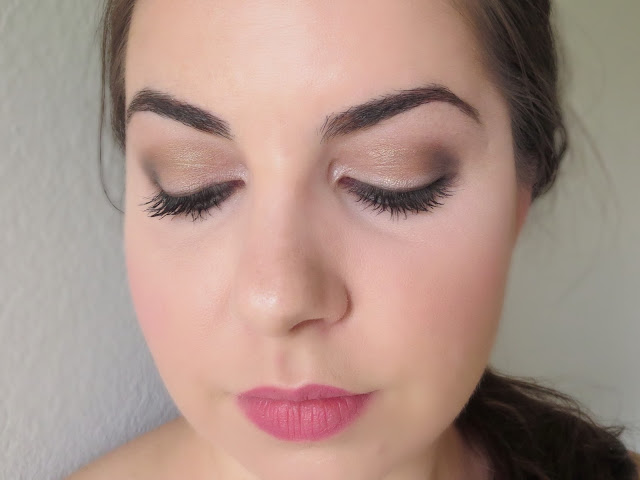 a picture of Night Time makeup look ; Urban Decay Naked Smoky Palette