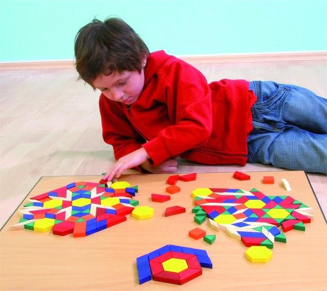 Merci qui merci montessori faq quels jouets for Jeu de construction en bois 4 ans