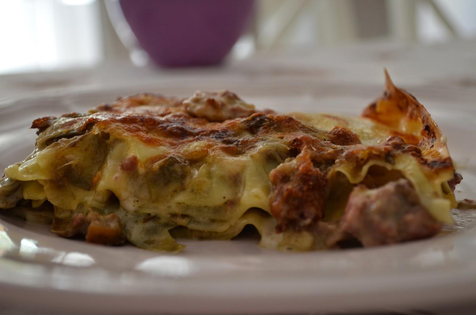 lasagna carciofi , funghi e salsiccia