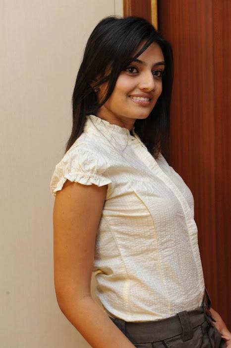 nikitha narayan at its my love story pressmeet, nitkitha narayan photo gallery