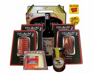 http://jamonacierto.com/es/lotes-y-regalos/99-lote2-loncheados-vino-extras.html