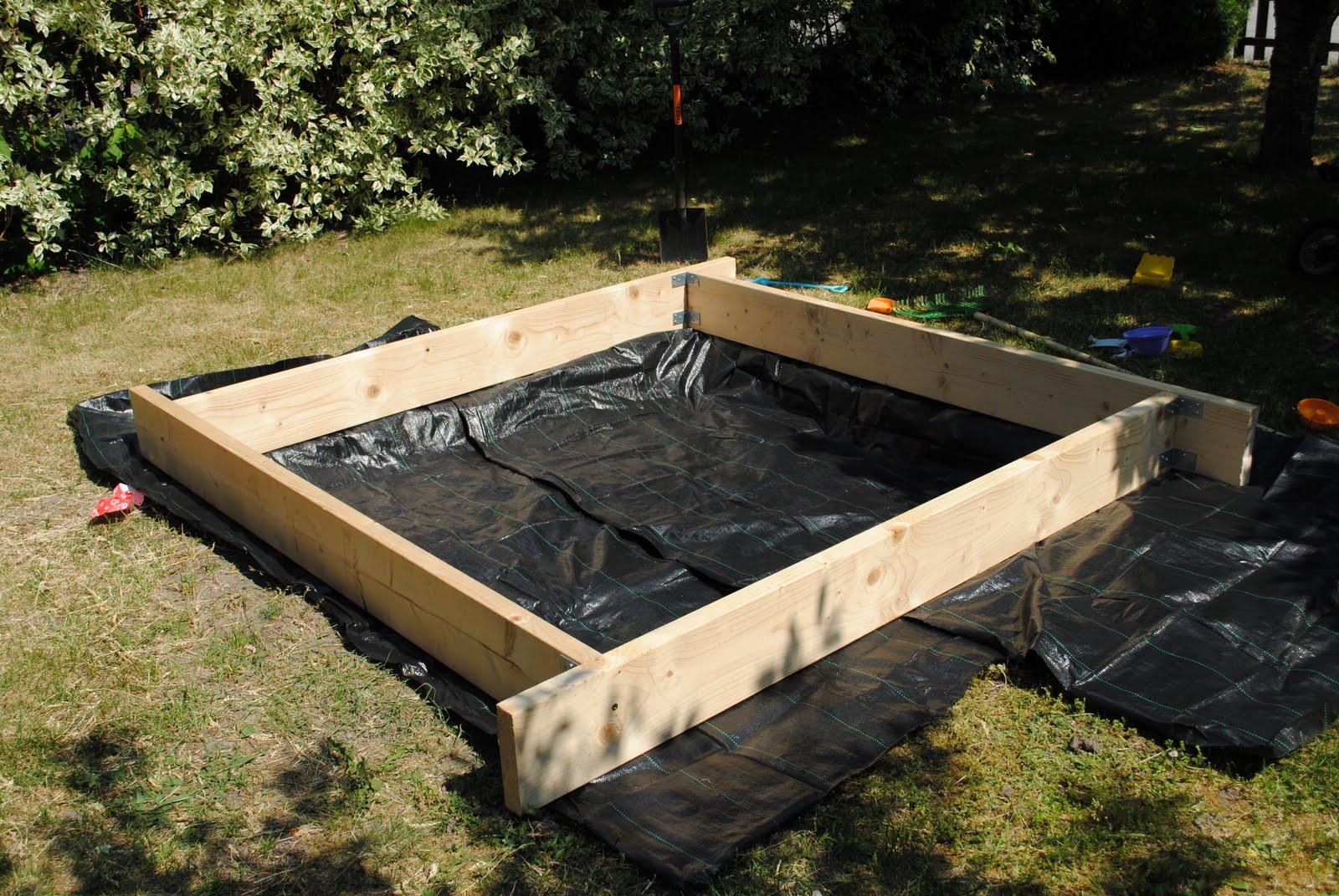 bygga sandlåda med lock