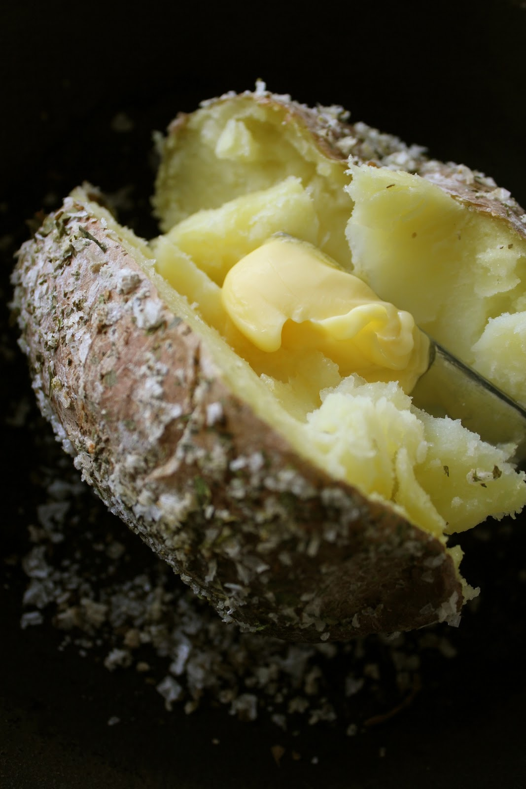 Warm&Snug&Fat: homemade celery-salt crusted baked potato