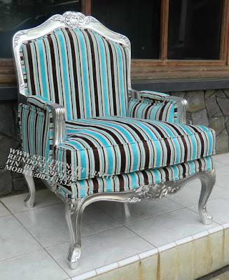 sofa jati jepara furniture mebel ukir jati jepara jual sofa tamu set ukir sofa tamu klasik set sofa tamu jati jepara sofa tamu antik sofa jepara mebel jati ukiran jepara SFTM-55089 jual mebel jepara jati sofa jati jepara cat silver