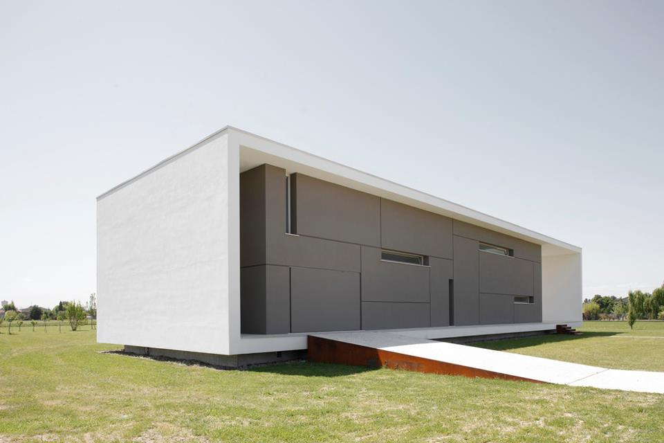 Arquitectura arquidea casa minimalista por andrea oliva for Casa minimalista arquitectura