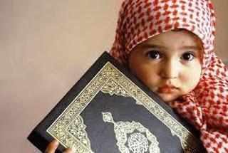 Gambar Anak Muslim Memegang Alqur'an Terbaru