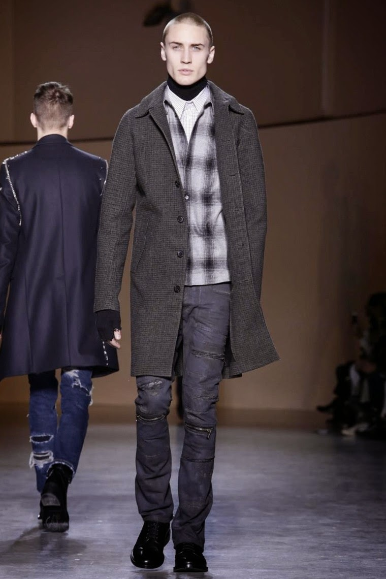 Diesel Black Gold AW15, Diesel Black Gold FW15, Diesel Black Gold Fall Winter 2015, Diesel Black Gold Autumn Winter 2015, Diesel Black Gold, du dessin aux podiums, dudessinauxpodiums, jean diesel, MFW, Pitti Uomo, mode homme, menswear, habits, prêt-à-porter, tendance fashion, blog mode homme, magazine mode homme, site mode homme, conseil mode homme, doudoune homme, veste homme, chemise homme, vintage look, dress to impress, dress for less, boho, unique vintage, alloy clothing, venus clothing, la moda, spring trends, tendance, tendance de mode, blog de mode, fashion blog, blog mode, mode paris, paris mode, fashion news, designer, fashion designer, moda in pelle, ross dress for less, fashion magazines, fashion blogs, mode a toi, revista de moda, vintage, vintage definition, vintage retro, top fashion, suits online, blog de moda, blog moda, ropa, blogs de moda, fashion tops, vetement tendance, fashion week, Milan Fashion Week