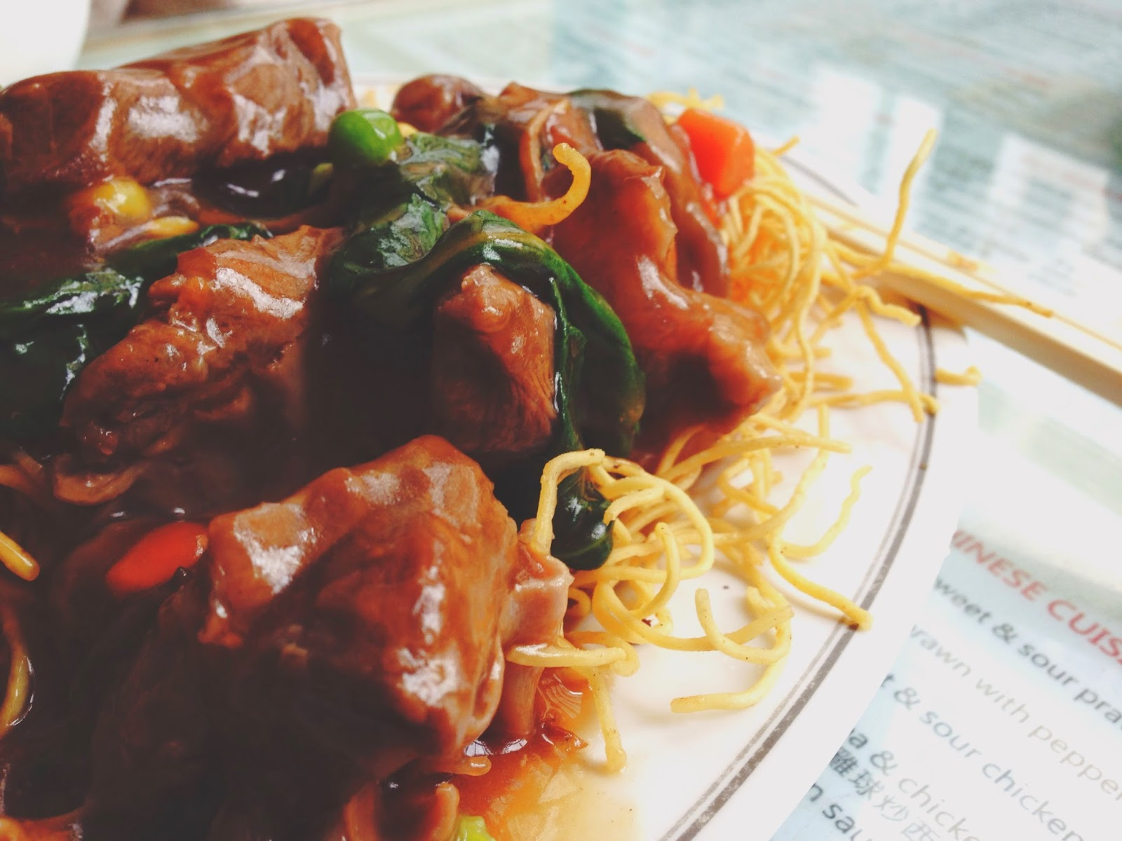 Mido Cafe Hong Kong Crispy Noodles with Stewed Beef