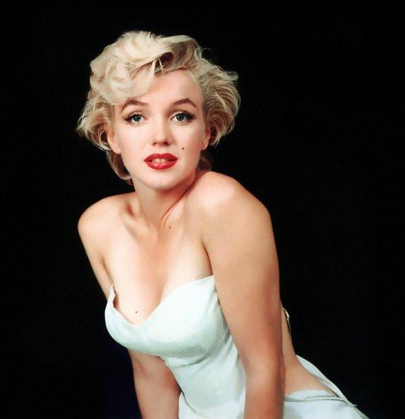 marilyn monroe hairstyles. platinum blonde hair,