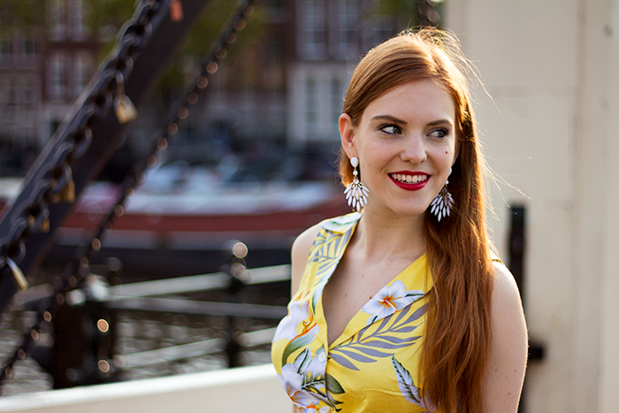 Dutch fashion blogger white earrings yellow hawaii crop top