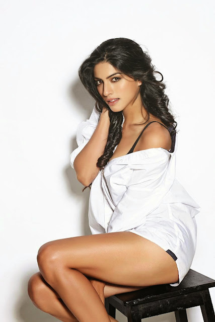 Sapna+Pabbi FHM+India February201 2.jpg