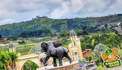 Patung/symbol Kampung Gajah Wonderland