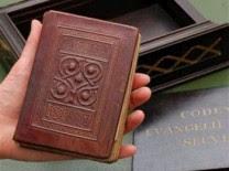 Evangelho mais caro do mundo é vendido por 20 milhôes de reais