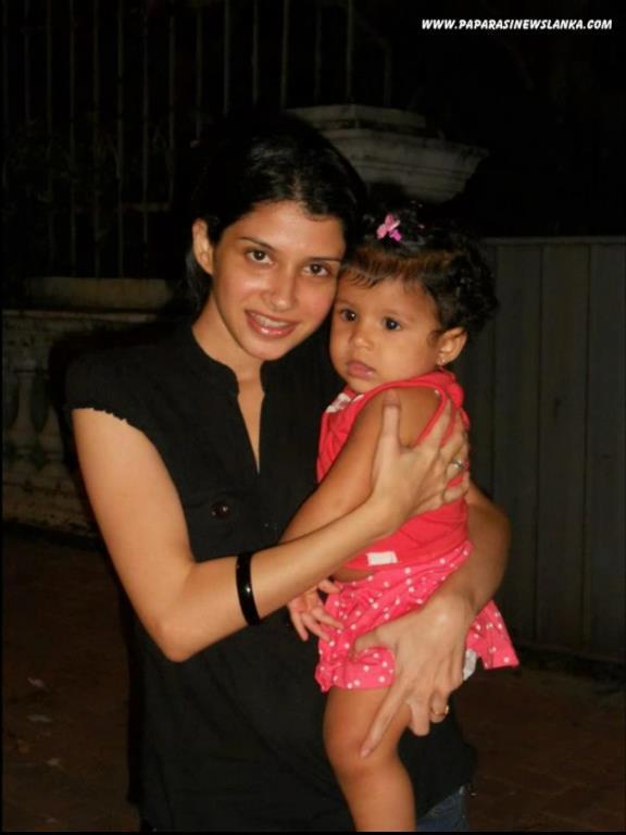 SL Hot Actress Pics: Menaka And Nehara vs Virangi Nehara Peiris And Menaka Rajapaksha Wedding