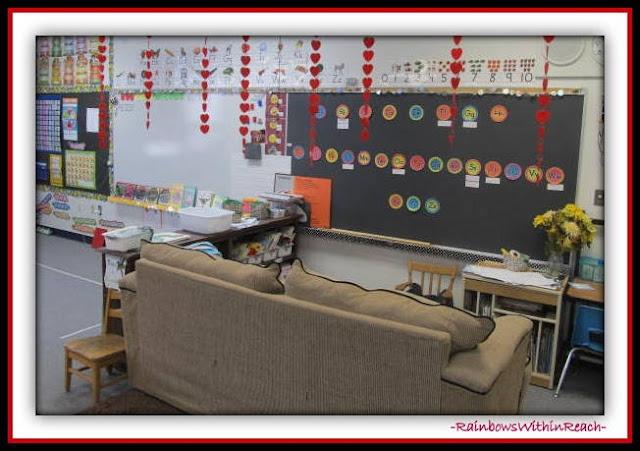 Kindergarten Classroom Organization of Centers (Classroom Decor RoundUP at RainbowsWithinReach)