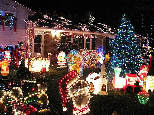 Modern House Outdoor Christmas Decorating Ideas With Full