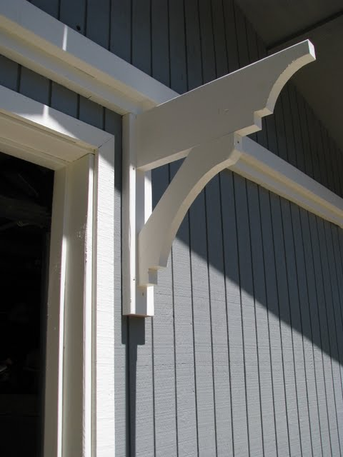 Blue Roof Cabin Diy Trellis Over The Garage Door