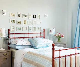 letto in camera da letto piccola immagine