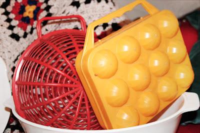 Panier & boite à œuf vintage ! Jaune & rouge !