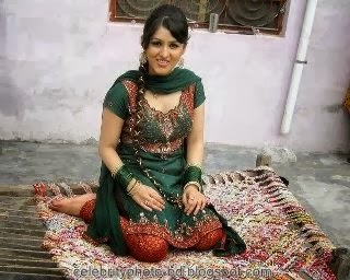 Deshi+girl+real+indianVillage+And+college+girl+Photos043