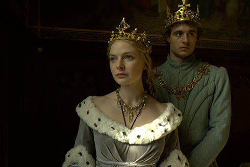 Max Irons is King Edward and Rebecca Ferguson is Queen Elizabeth in The White Queen