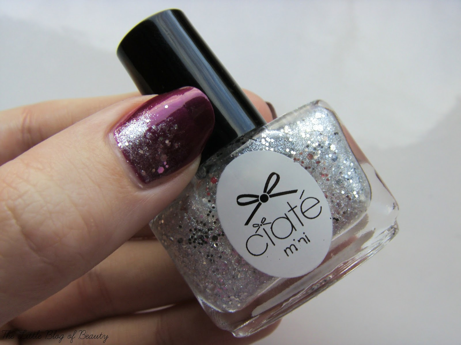 Nail art - Glitter gradient using OPI Kiss me - or Elf! and Ciate Locket