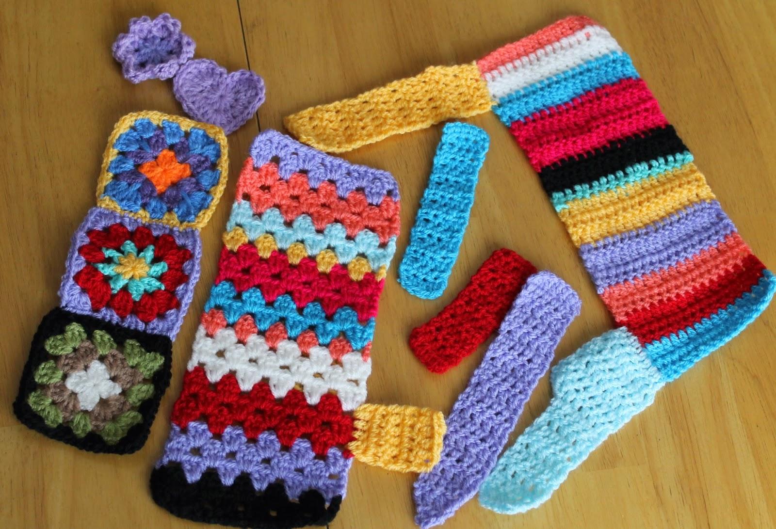 Das Crochet Connection: Mini Yarn Bombing!