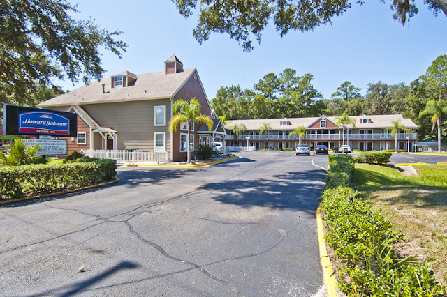 Howard Johnson Gainesville Hotels Close To Va Hospital Is Only 2 Miles From Shands And The Hospitals Find Perfect Hotel Suites In Fl