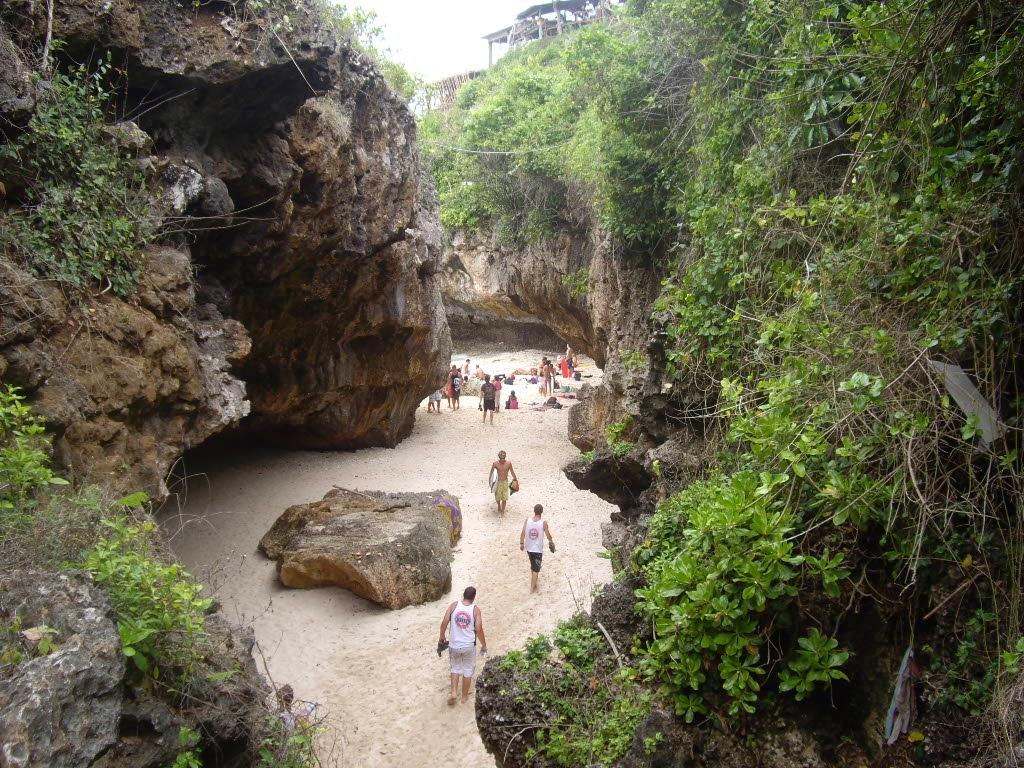 Pesona Pantai Blue Point Uluwatu Bali Panduan Wisata Di Pulau
