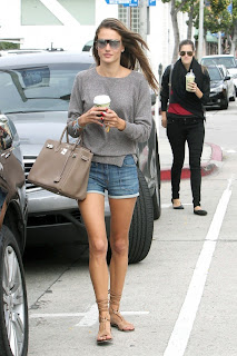 Alessandra Ambrosio Street Style Fashion