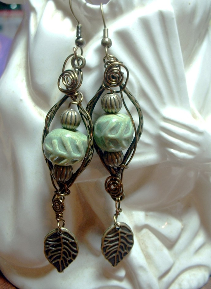 Shaterra Clay Studio: Project Idea - Wire Wrapped Leaf Earrings