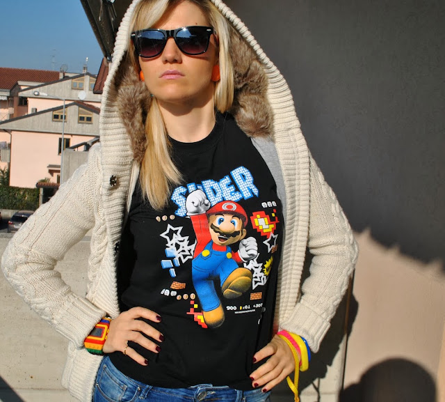 mariafelicia magno outfit anni 80 collezione super moschino per mario bros jeremy scott super moschino for mario bros collezione moschino per mario bros dove acquistare la collezione moschino per mario bros moschino capsule collection for mario bros 30 anni mario bros nintendo mariafelicia magno fashion blogger colorblock by felym fashion blog italiani fashion blogger italiane fashion blogger bergamo fashion blogger milano blog di moda italian fashion bloggers fashion bloggers italy italian bloggers fashion bloggers italy ragazze bionde blonde girls blonde hair blondie t-shirt mario bros t-shirt videogiochi outfit mariafelicia magno outfit felpa e tshirt abbinamento felpa e t-shirt felpa con cappuccio di pelo how to wear t-shirt and sweatshirt mario bros t-shirt