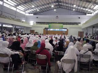 Manasik massal calon jama'ah haji kabupaten Bekasi Grand Wisata Bekasi Jawa barat bersama susu haji sehat