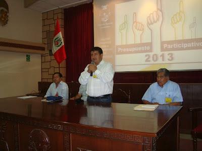 Juramentan agentes de presupuesto participativo 2013