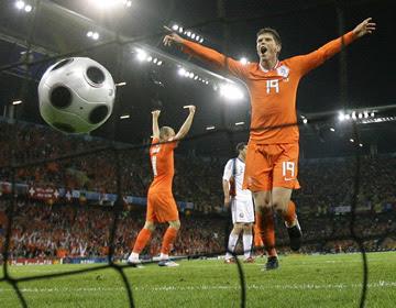 Holanda+Eurocopa Eurocopa de fútbol del 08.Junio   01.Julio 2012 en Ucraina y Polonia   Favoritos España, Alemania y Holanda